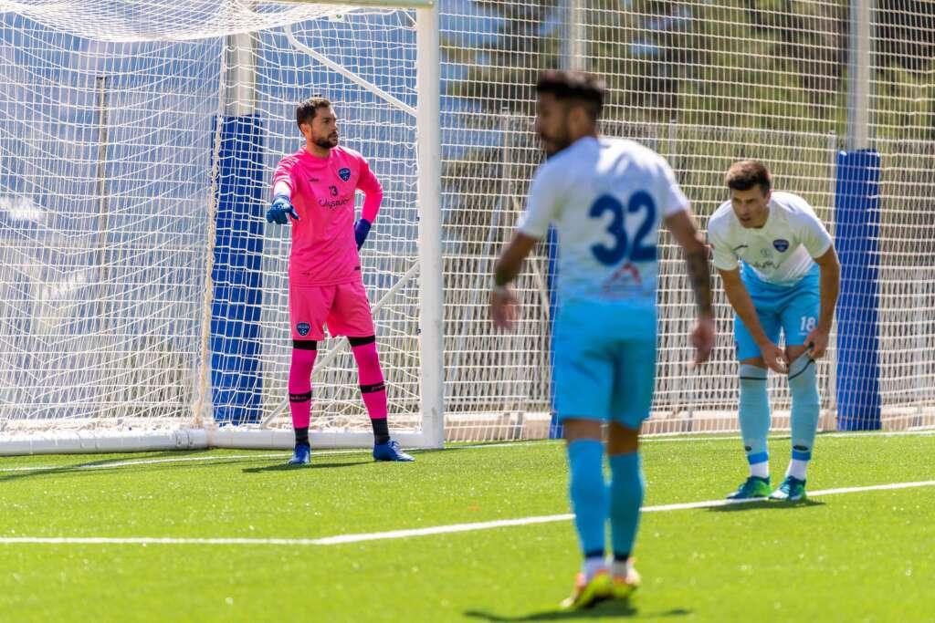 Tras un partido disputado, un gol en el tiempo añadido evita la victoria del Atlètic Club Escaldes frente a la UE Sant Julià.